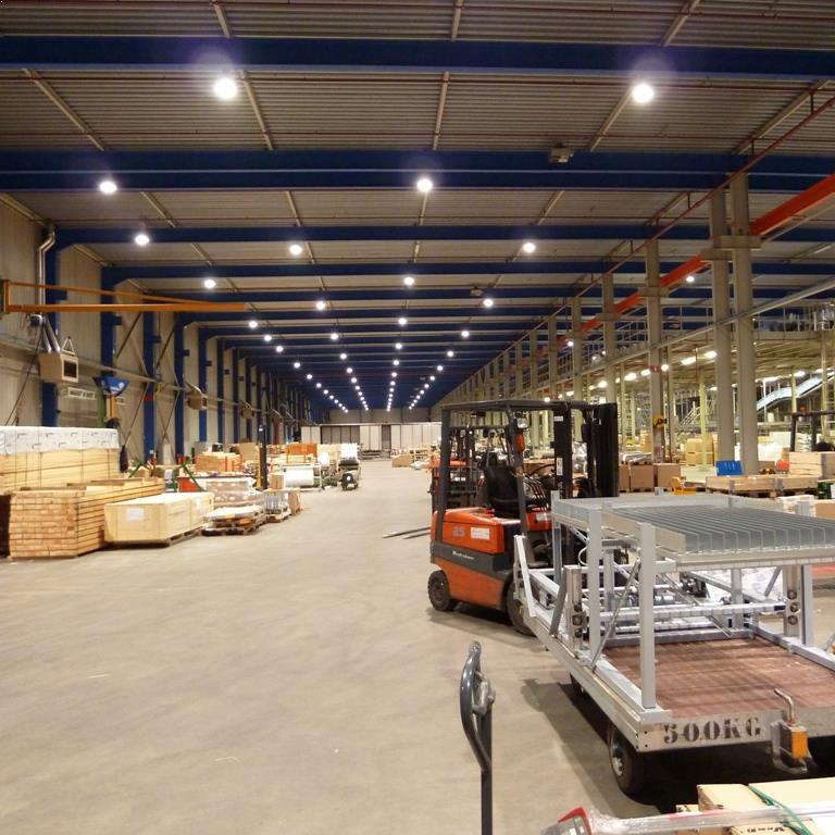 LED Fabriekshalverlichting laag bij Vanderlande